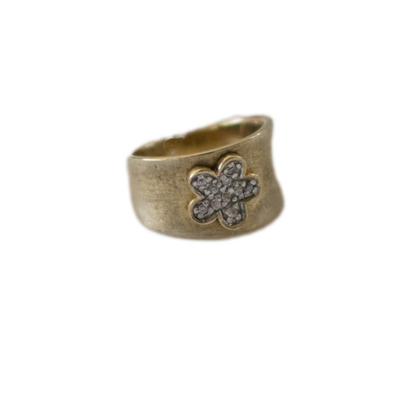 Επίχρυσο ασημένιο 925 δαχτυλίδι με άχρωμα κυβικά ζιργκόν στο tezoro.gr 233333b053d